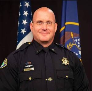 Lt Kent Huntsman professional picture in uniform