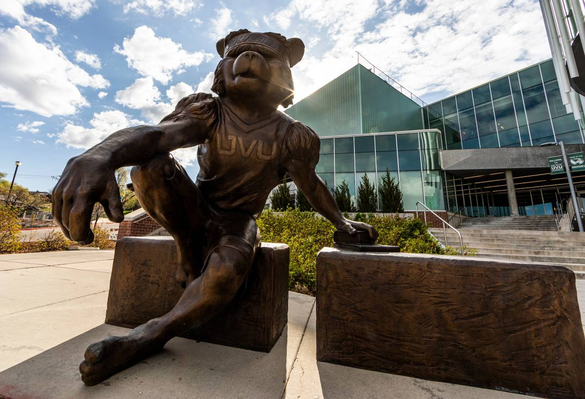 Willy the wolverine statue