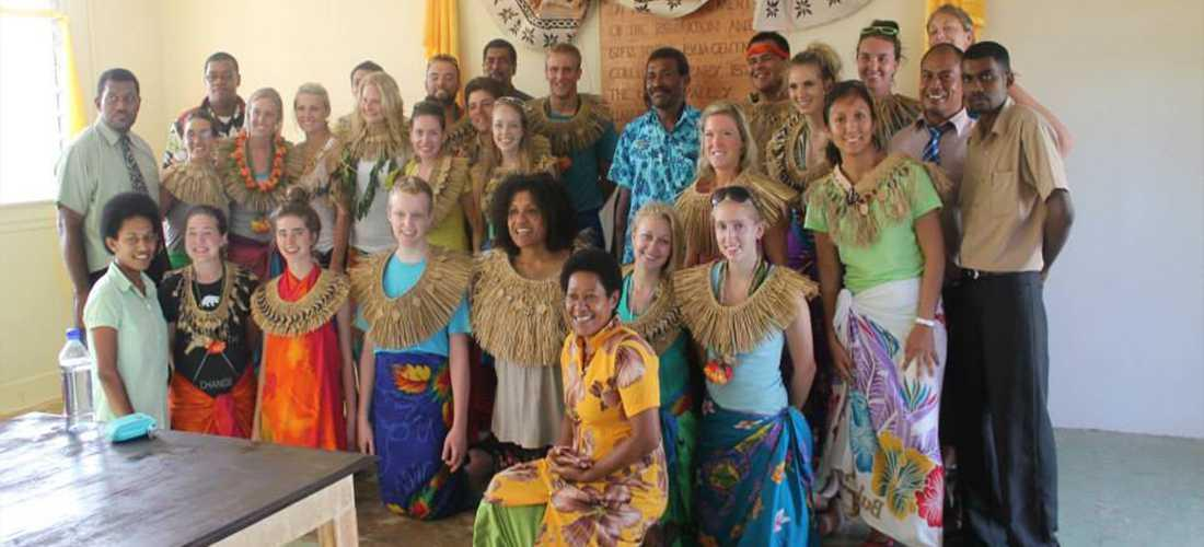 Image of male and female students on an International Alternative Break trip to Fiji