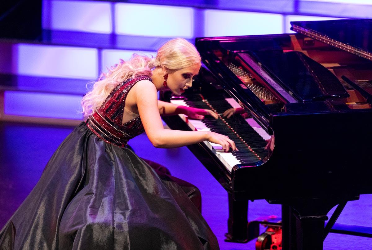 Kadee Jo Jones playing the piano